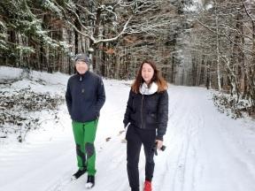 Andi und Pauli beim Schneespaziergang